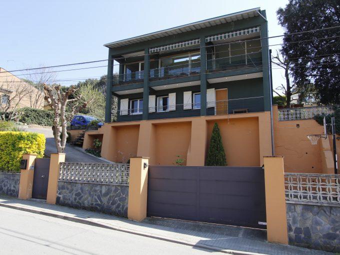 Preciosa casa en venta en Sant Pere de Vilamajor (Urb. Can Vila)